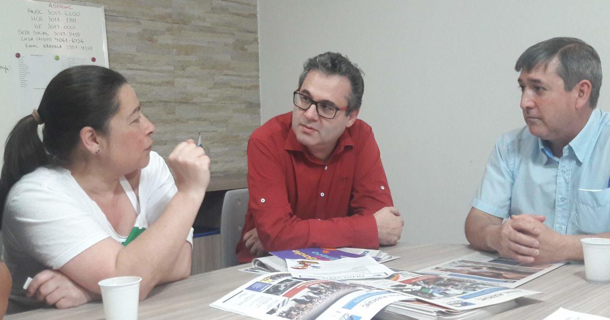 Servidores do GHC se reúnem com Roberto Robaina e relatam ações em defesa da saúde