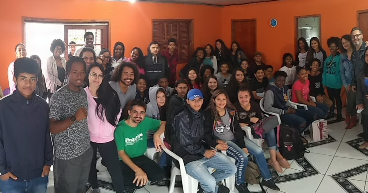 Aula inaugural do Emancipa Restinga promove papo com alunos da UFRGS e do IF Restinga